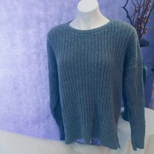 ANN TAYLOR GRAY CABLE KNIT CREW NECK SWEATER L